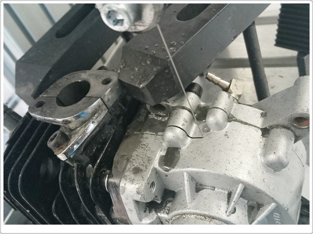 Samples Cutting(Combustion engine)